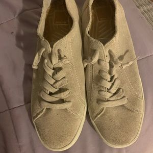 DOLCE VITA suede low top sneaker SIZE 10
